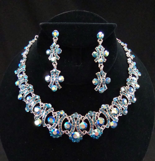 Henri's Cloud Nine Jewelry 6513 Henri's Cloud Nine Necklace & Earring Set